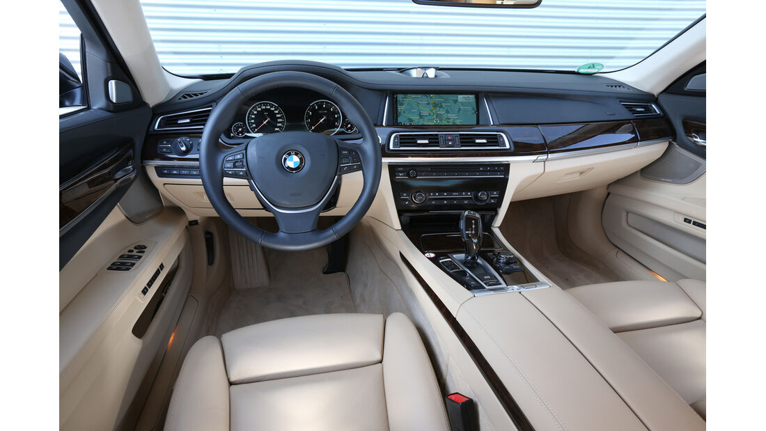 BMW 750Li, Cockpit