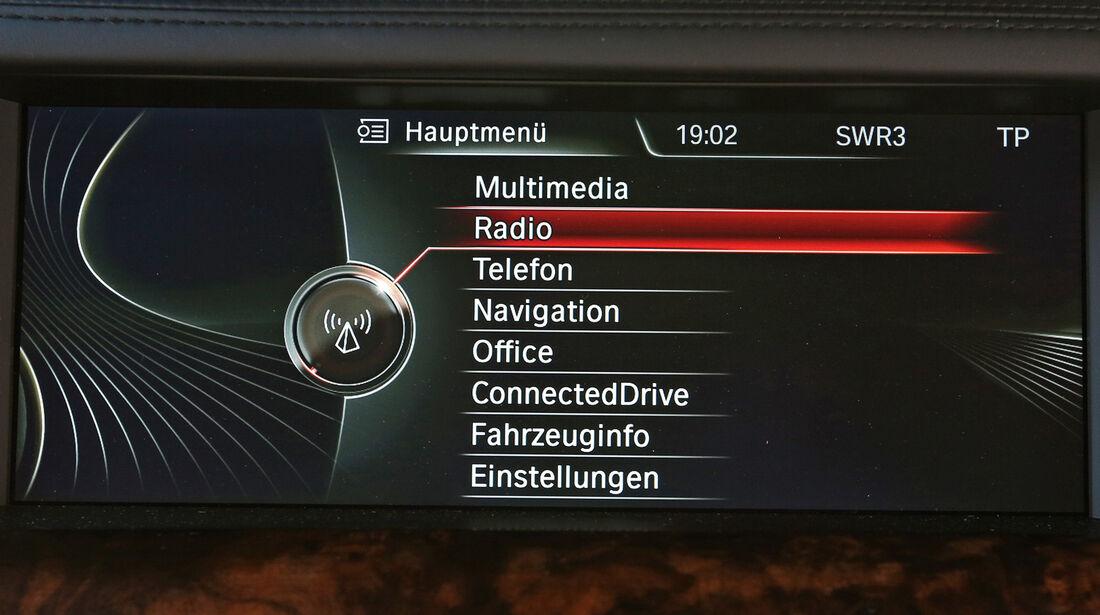 BMW 750Li, Infotainment