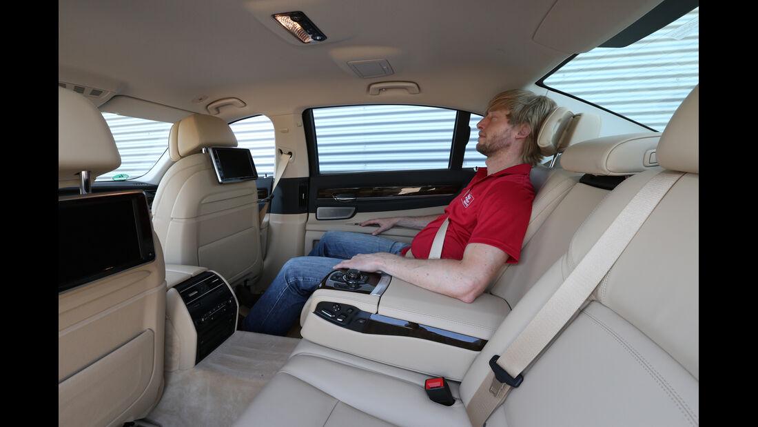 BMW 750Li, Rücksitz, Beinfreiheit