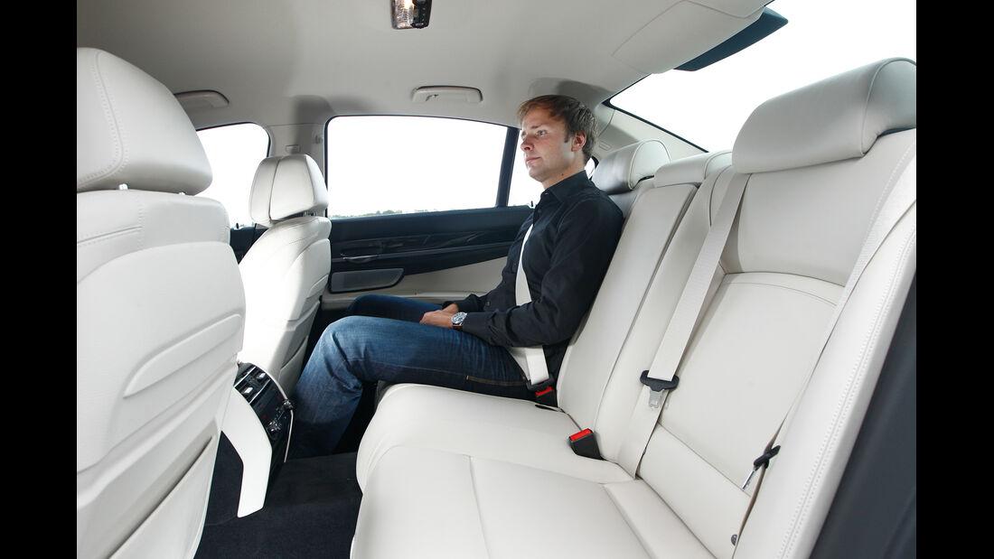 BMW 750d x-Drive, Rücksitze, Beinfreiheit