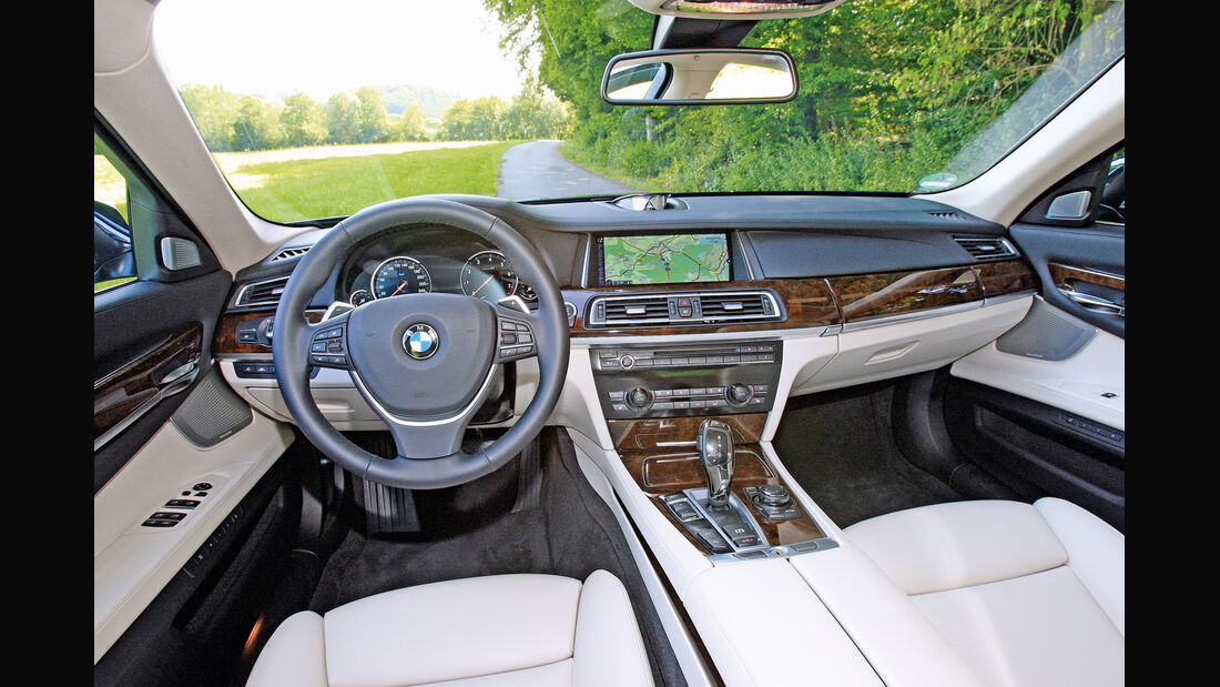 BMW 750i, Cockpit, Lenkrad