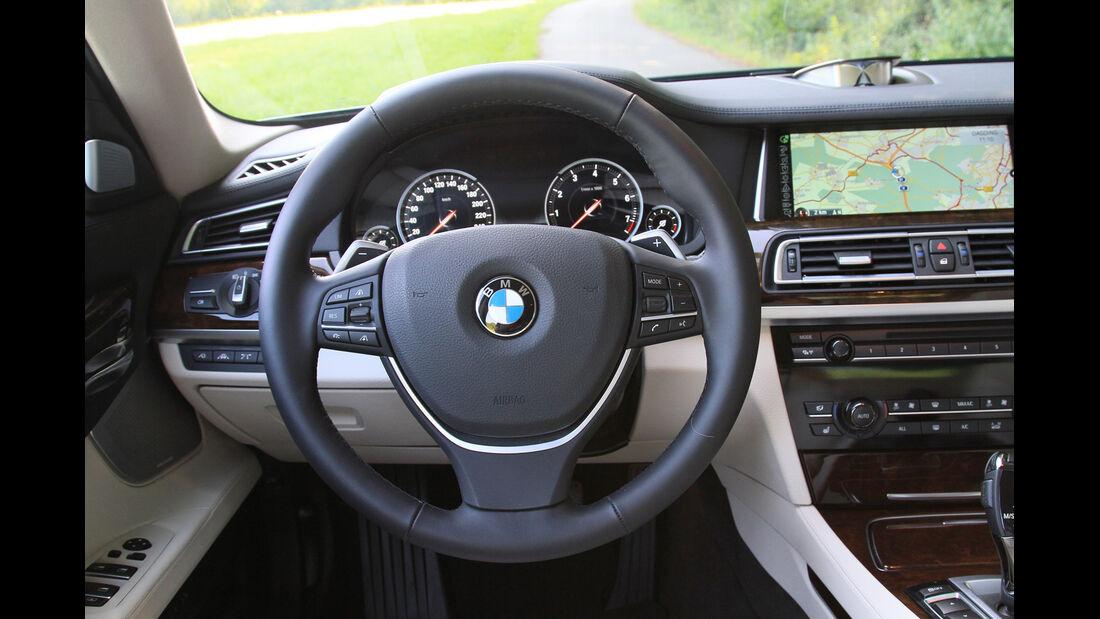 BMW 750i, Lenkrad