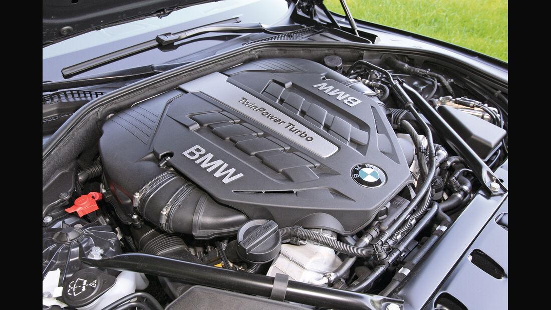 BMW 750i, Motor