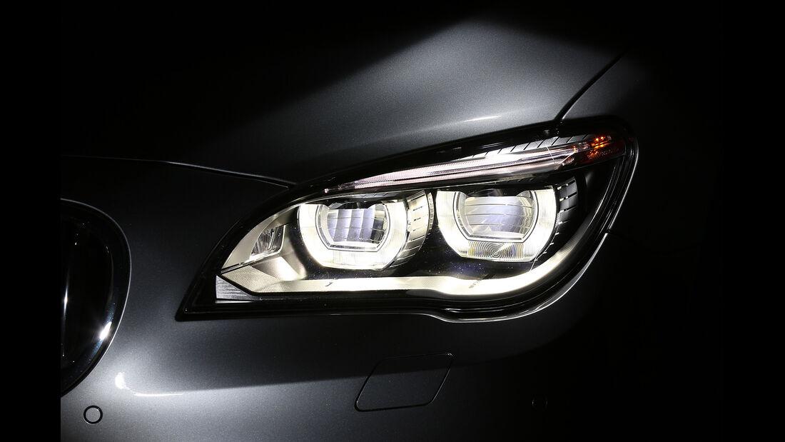 BMW 750i, Scheinwerfer