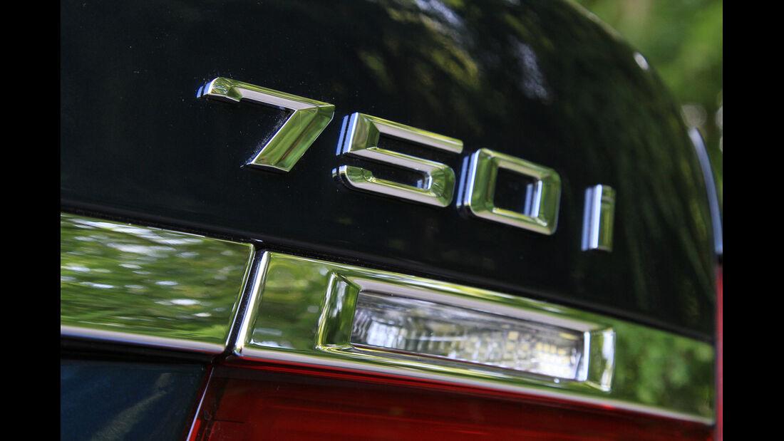 BMW 750i, Typenbezeichnung