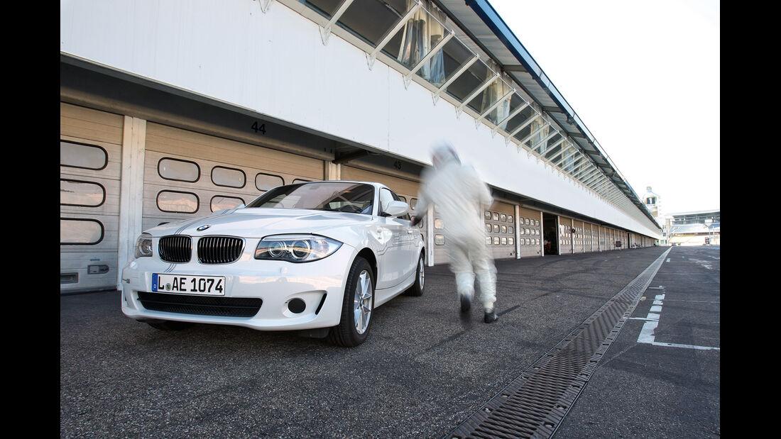 BMW Active E, Front, Einsteigen