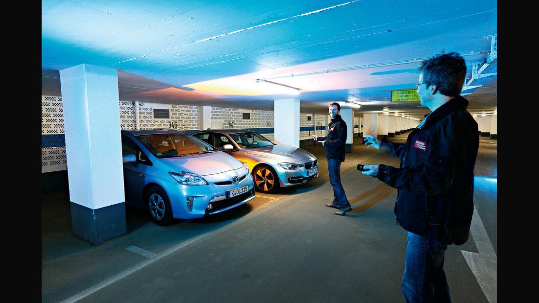 BMW Active Hybrid 3, Toyota Prius Plug-in Hybrid, Frontansicht