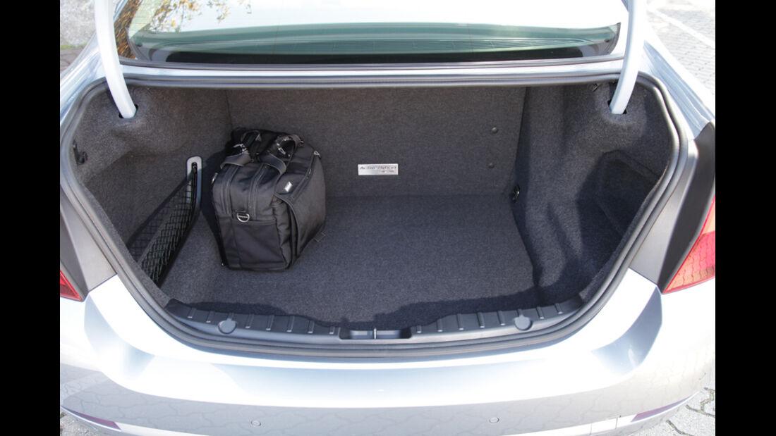 BMW Active Hybrid 5, Kofferraum