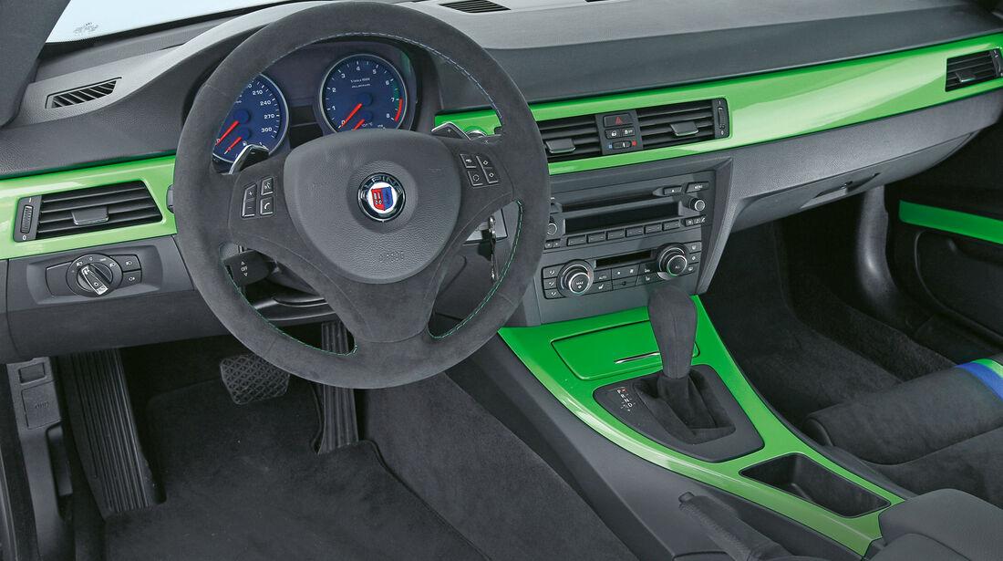 BMW Alpina B3 GT3, Cockpit