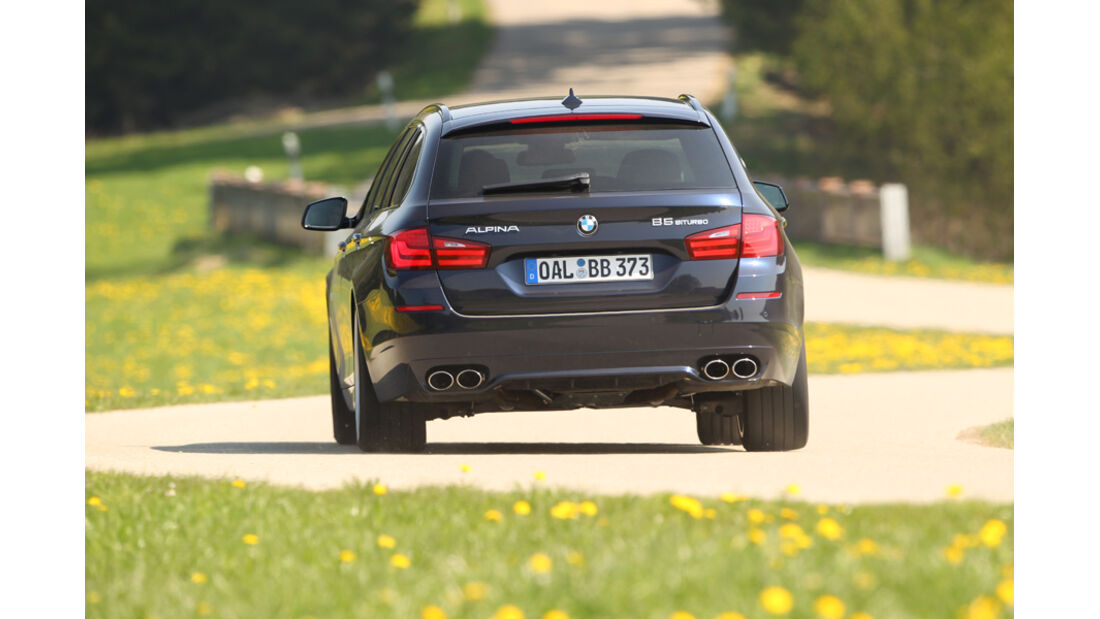 BMW Alpina B5 Biturbo Touring, Rückansicht, Ausfahrt