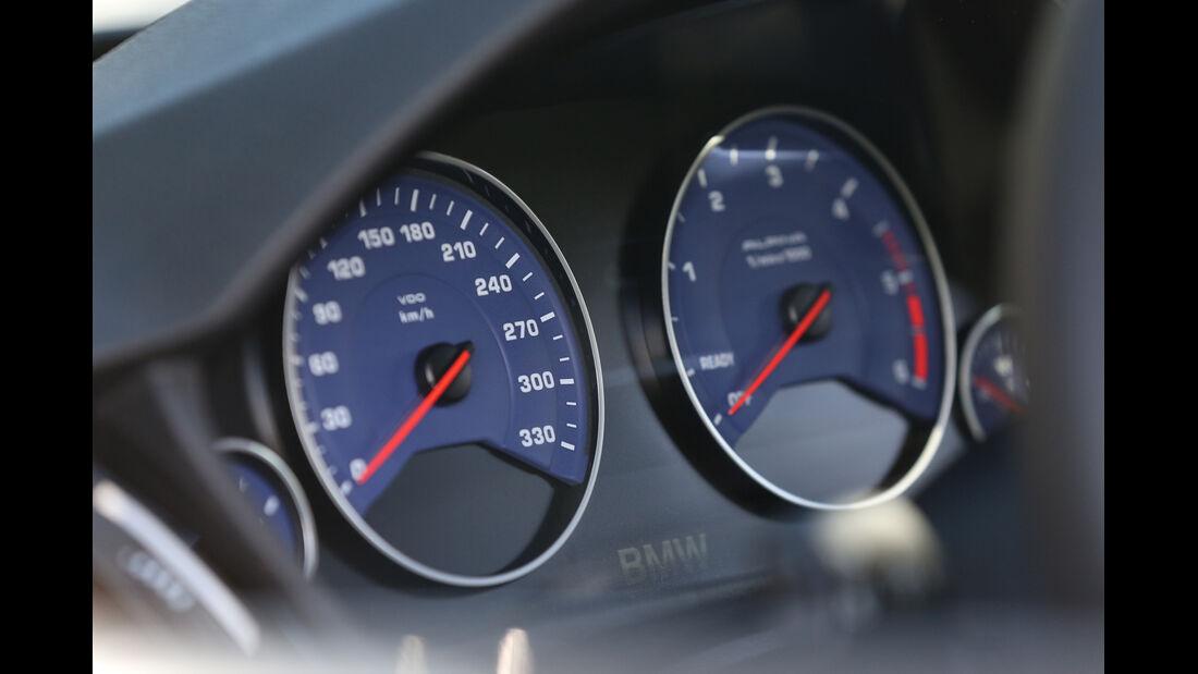 BMW Alpina D3 Touring, Rundinstrumente