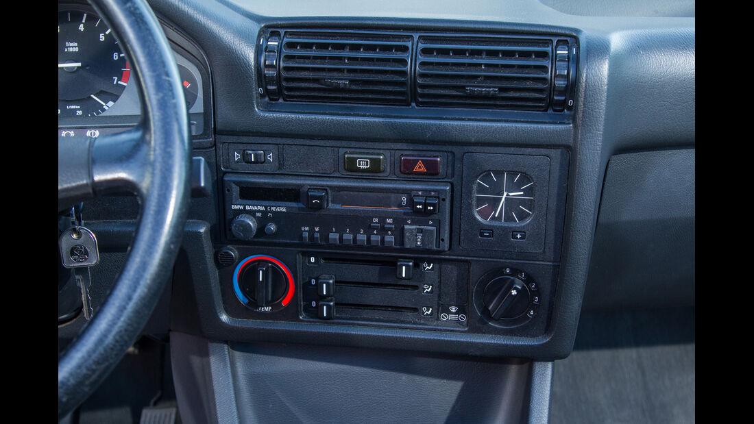 BMW Dreier E30 Cabrio, Mittelkonsole