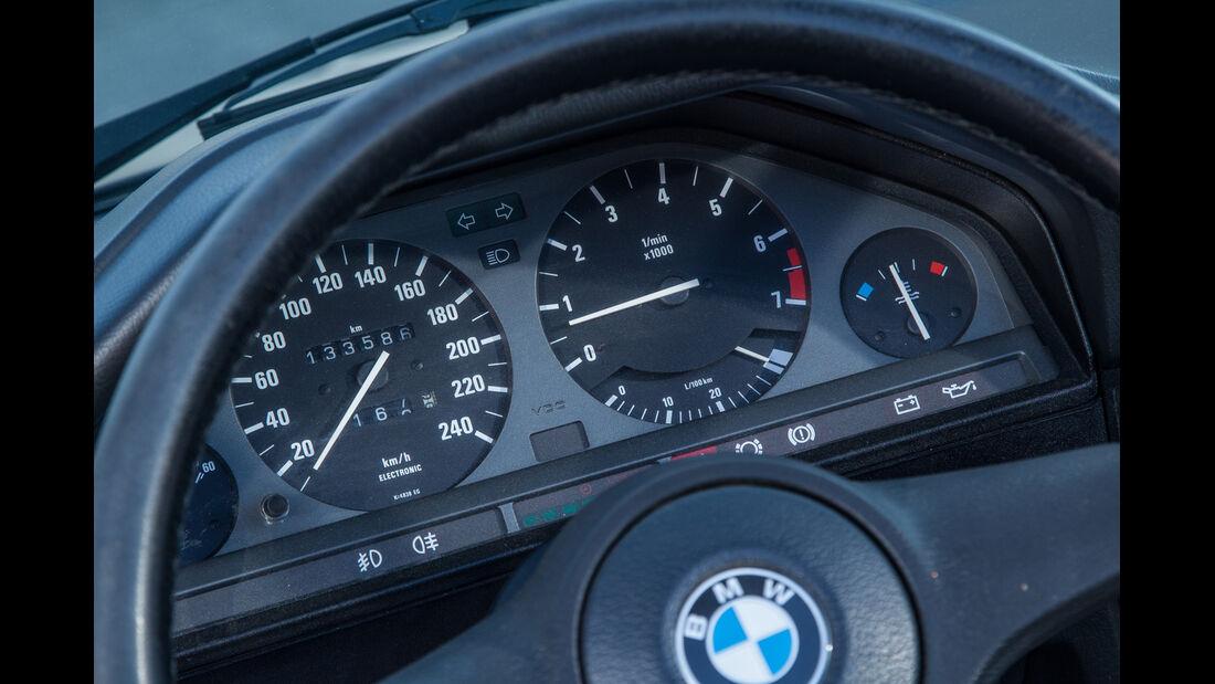 BMW Dreier E30 Cabrio, Rundinstrumente
