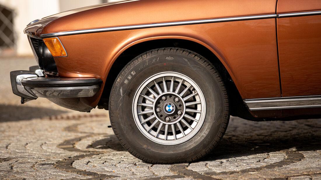 BMW E3 3.0 S, Rad