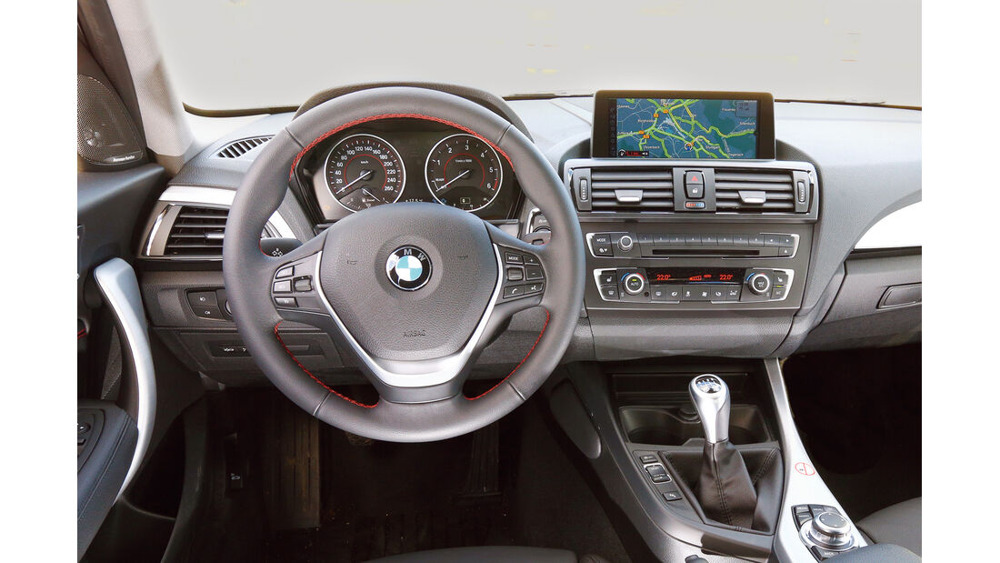 BMW Einser, Cockpit, Lenkrad