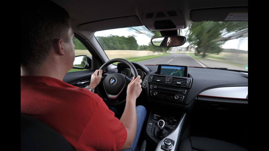 BMW Einser, Cockpit, Lenkrad, Innenraum