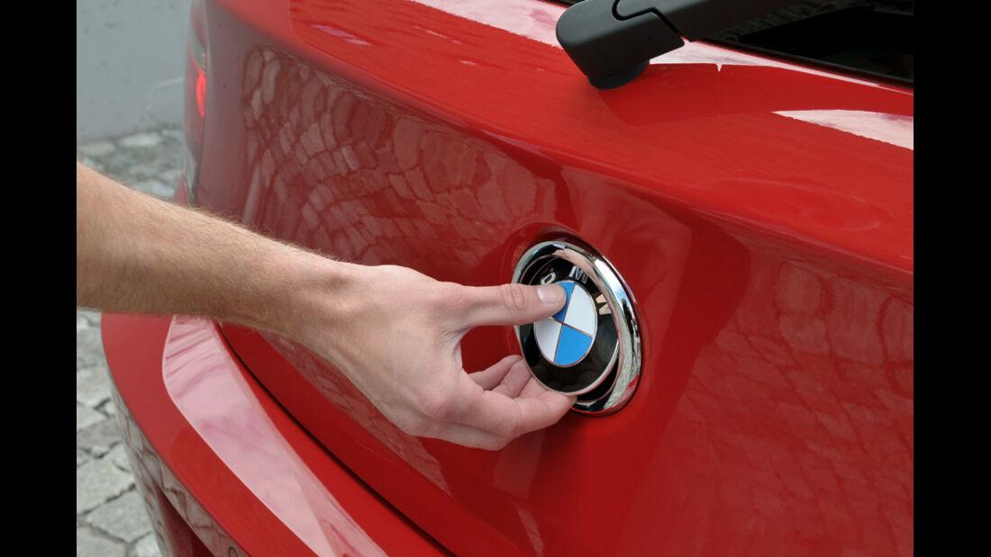 BMW Einser, Emblem, Kofferraumöffner