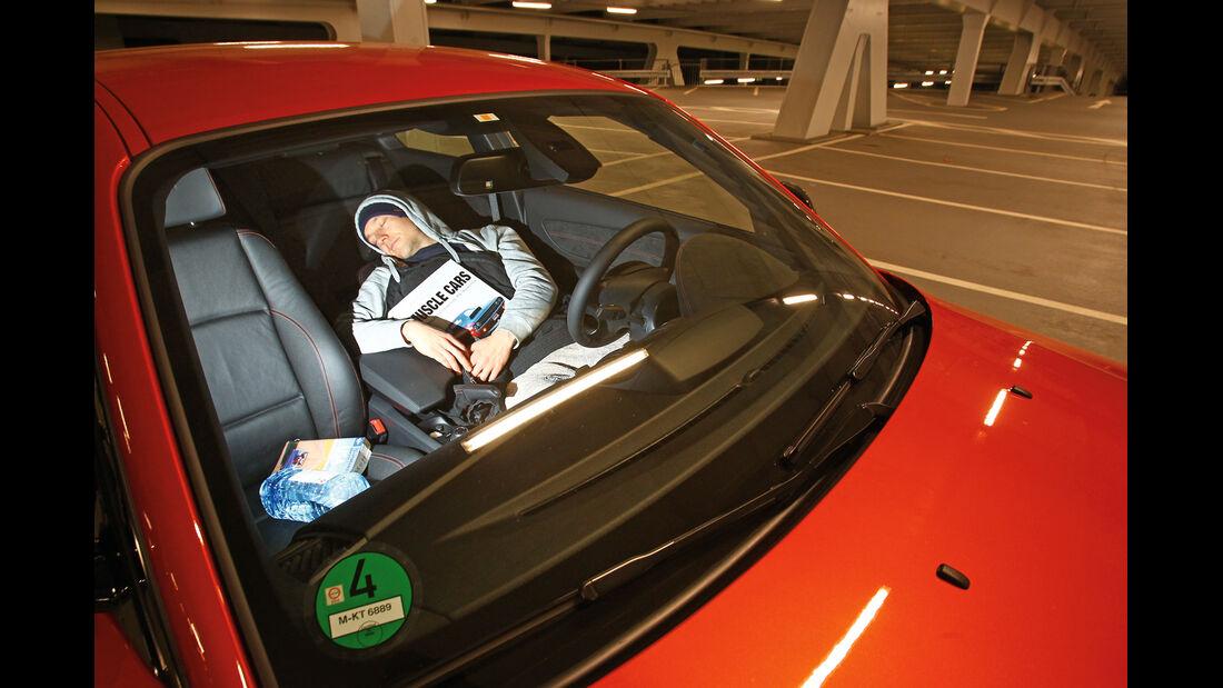BMW Einser M Coupé, Fahrersitz, Schlafen