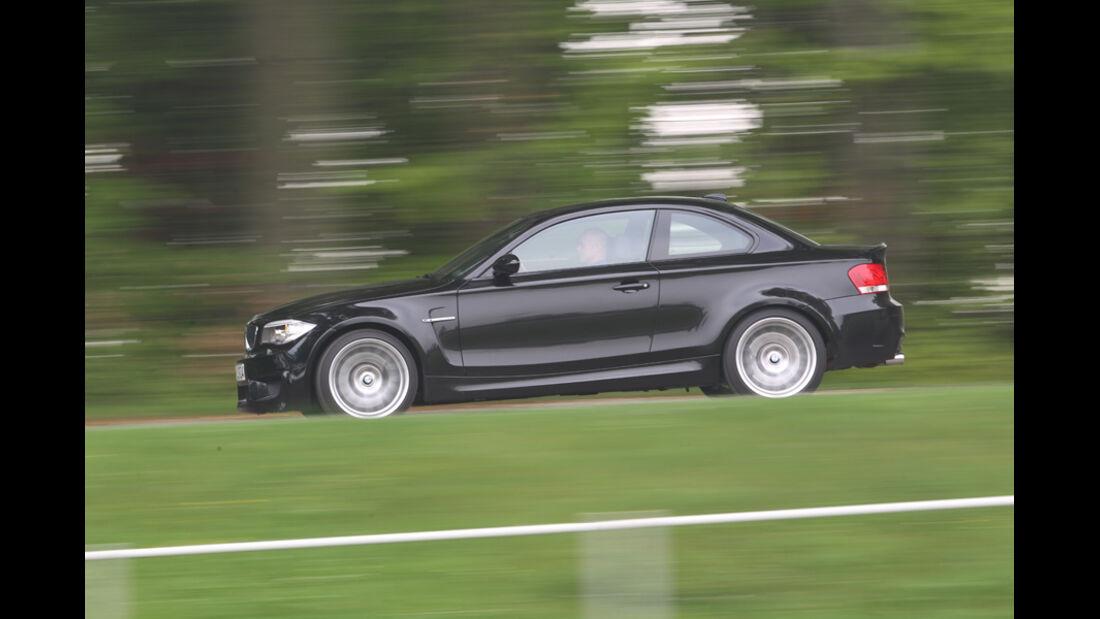 BMW Einser M Coupe, Seitenansicht, Gelände
