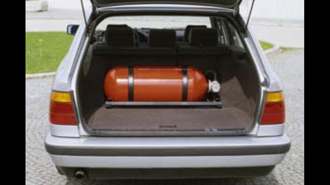 BMW Elektroautos, Ökoautos, BMW 518g touring, Erdgas, Tank, Kofferraum