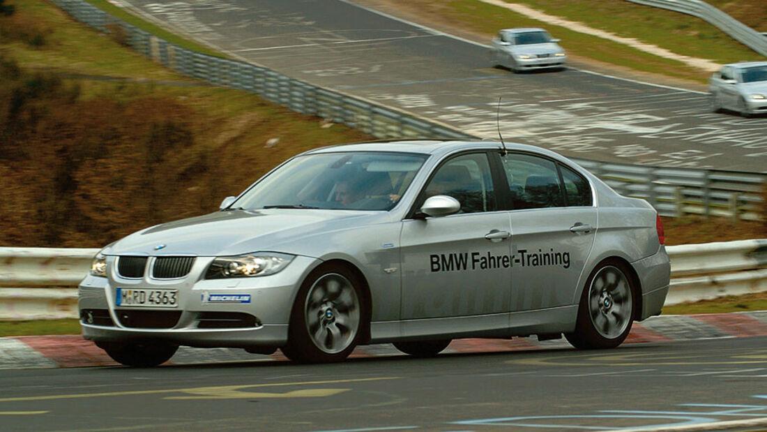 bmw driving experience die fahrertrainings von bmw auto motor und sport. Black Bedroom Furniture Sets. Home Design Ideas