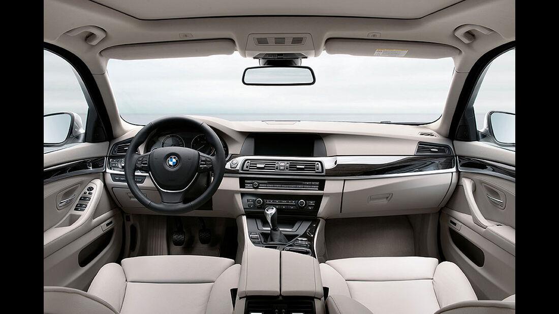 BMW Fünfer Touring, Cockpit