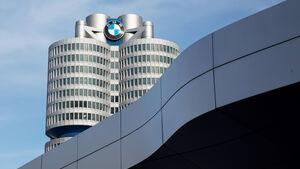 BMW Konzernzentrale München, Vierzylinder, Petuelring