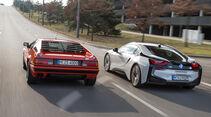 BMW M1, BMW i8, Heckansicht