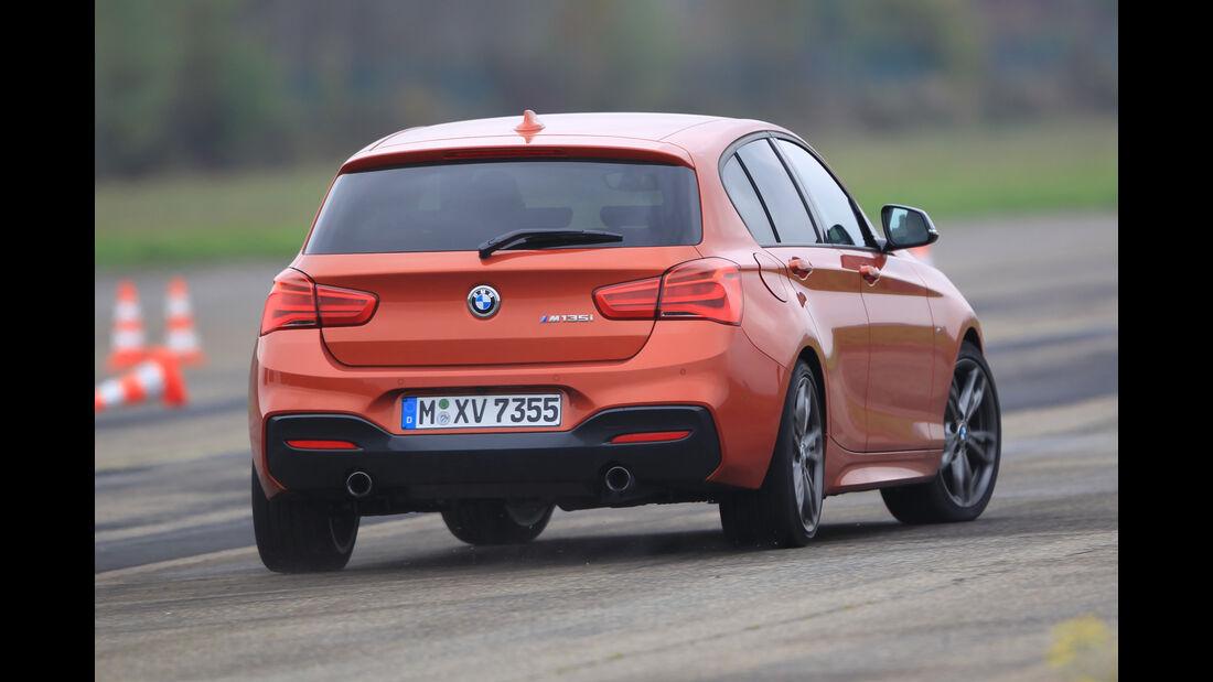 BMW M135i, Heckansicht