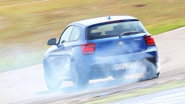 BMW M135i, Heckansicht, Driften