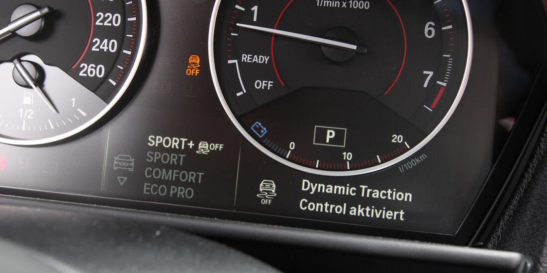 BMW M135i, Rundinstrumente, Drehzahlmesser