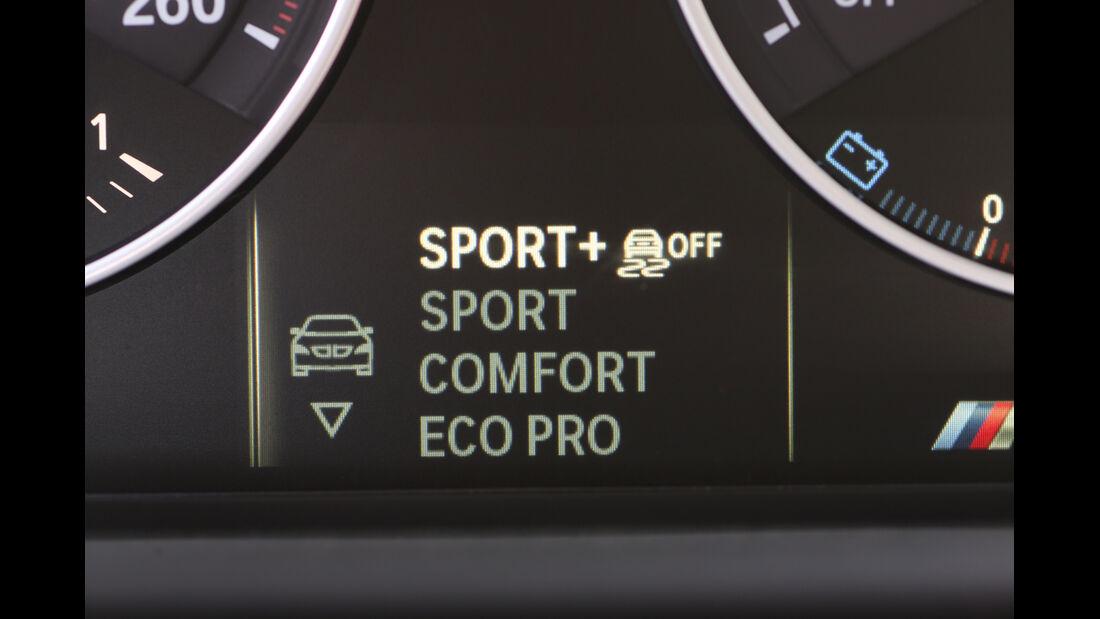 BMW M135i xDrive, Anzeigeinstrument