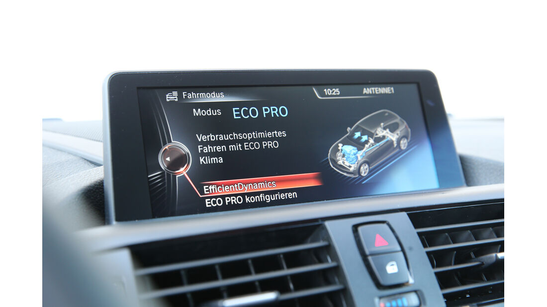 BMW M135i xDrive, Monitor, Infotainment