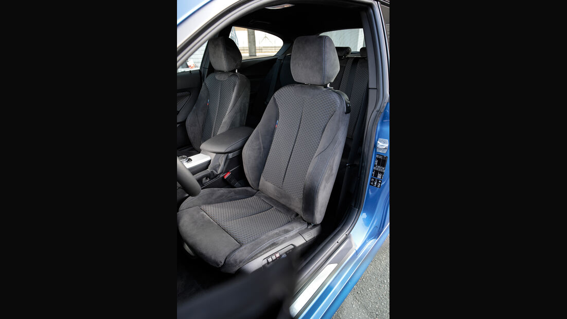 BMW M140i xDrive, Fahrersitz
