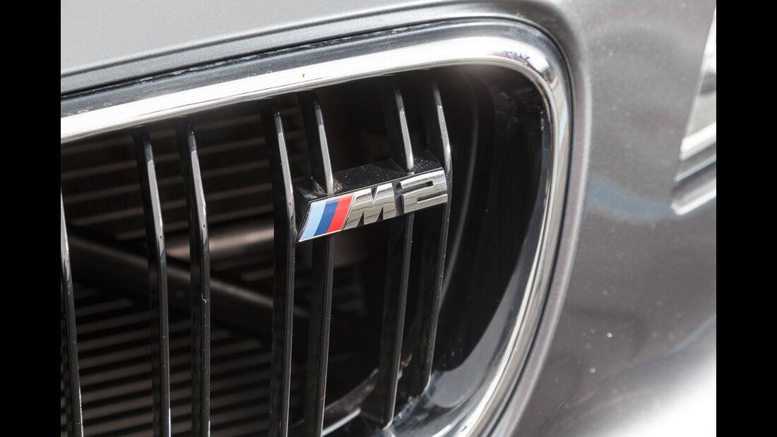 BMW M2 Coupé, Motorgrill