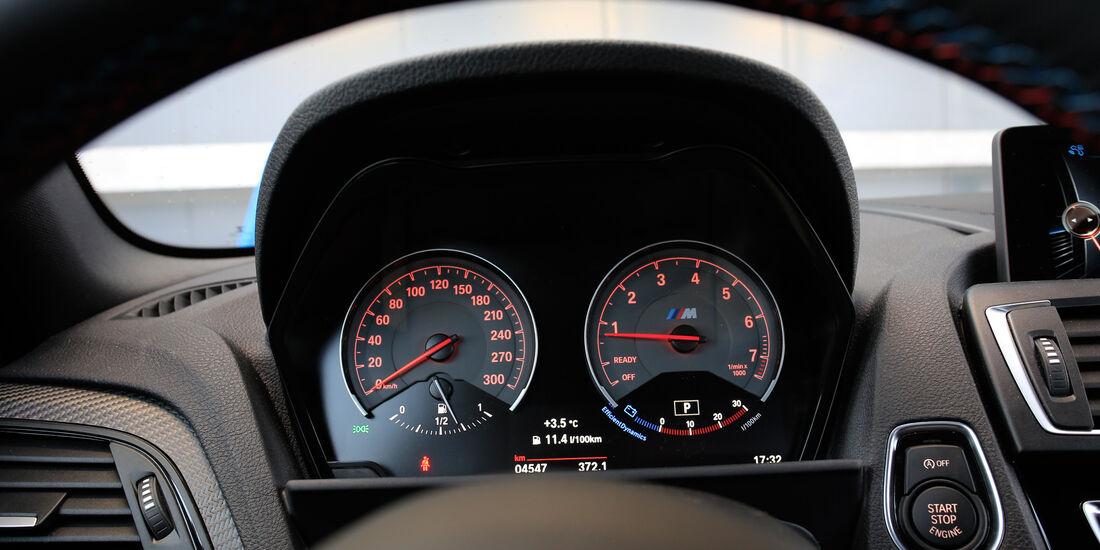 BMW M2, Rundinstrumente