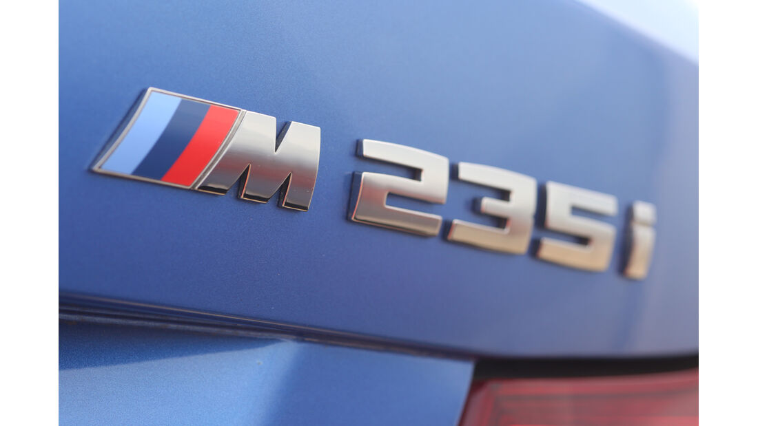 BMW M235i Cabrio, Typenbezeichnung