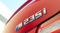 BMW M235i Coupé, Heckleuchte, Typenbezeichnung