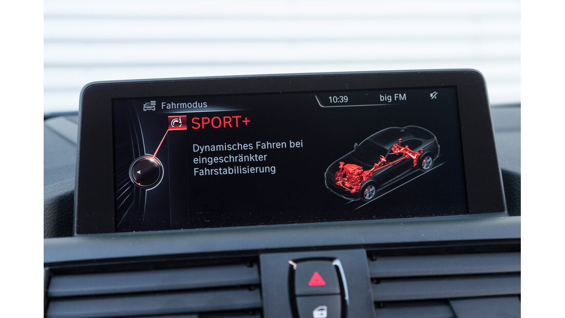 BMW M235i, Noci, Bordcomputer
