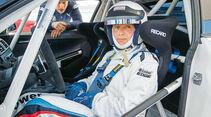 BMW M235i Racing, Cockpit