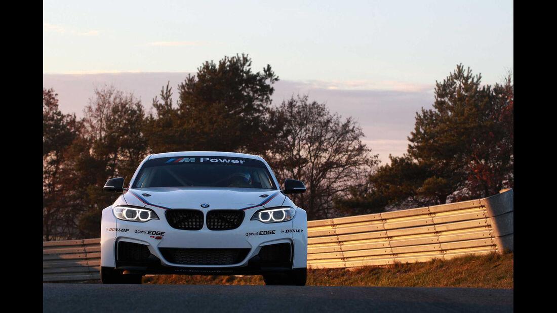 BMW M235i Racing Vorstellung
