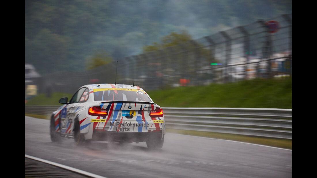 BMW M235i Racing - Walkenhorst Motorsport powered by Dunlop - #235 - Bernd Ostmann, Peter Wyss, Victor Bouveng, Harald Grohs - 24h Nürburgring  - Donnerstag - 1. Qualifying - 14.5.2015
