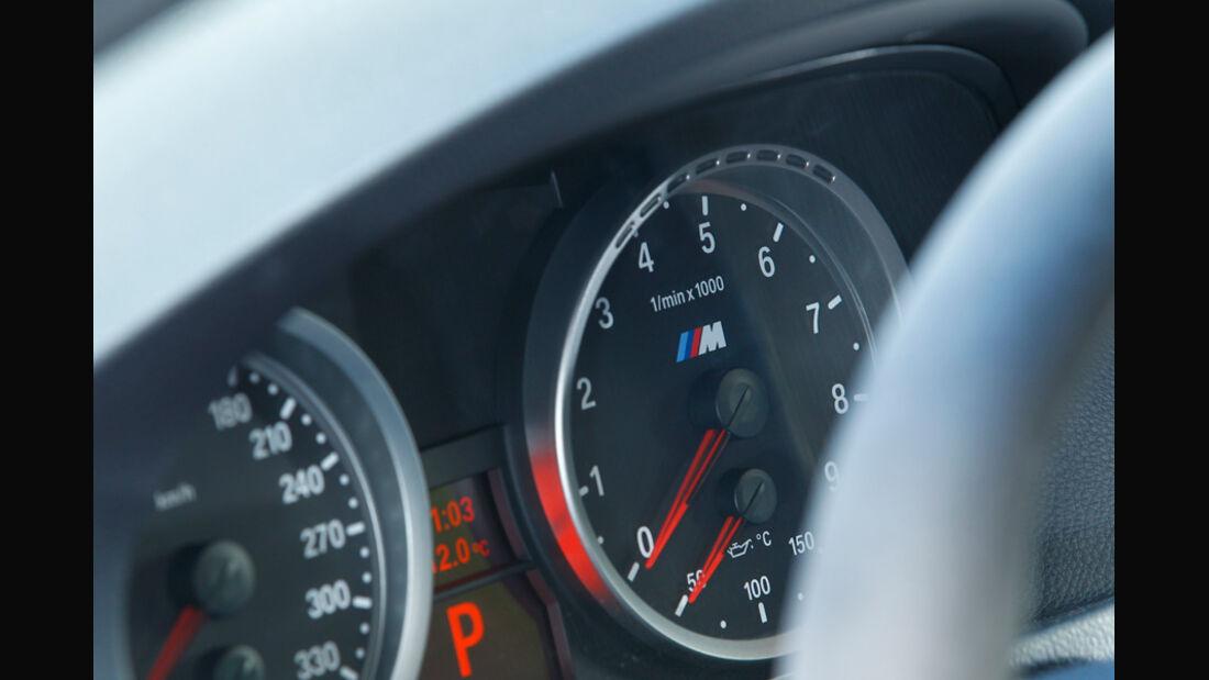 BMW M3 CRT, Rundinstrumente