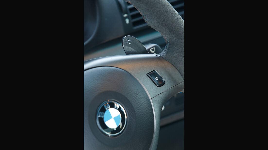 BMW M3 CSL, Lenkrad, Emblem