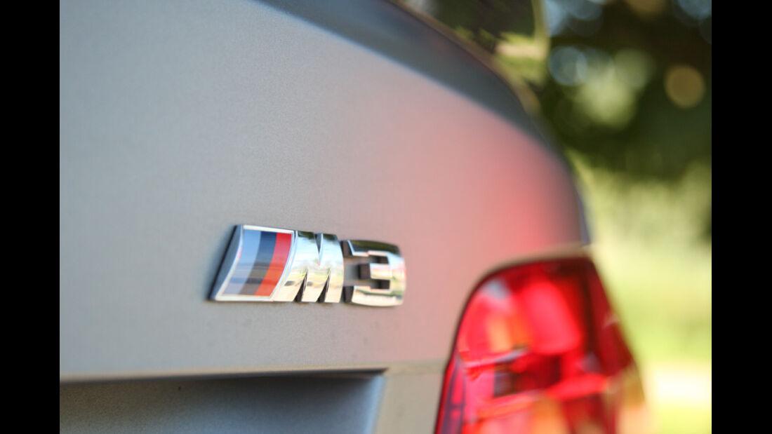 BMW M3 Coupe Competition, Emblem, Typenbezeichnung