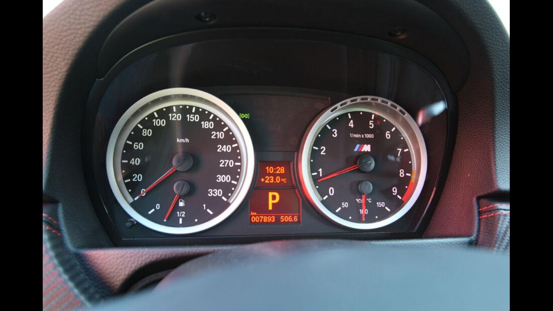 BMW M3 Coupe Competition, Tacho, Anzeigeinstrumente