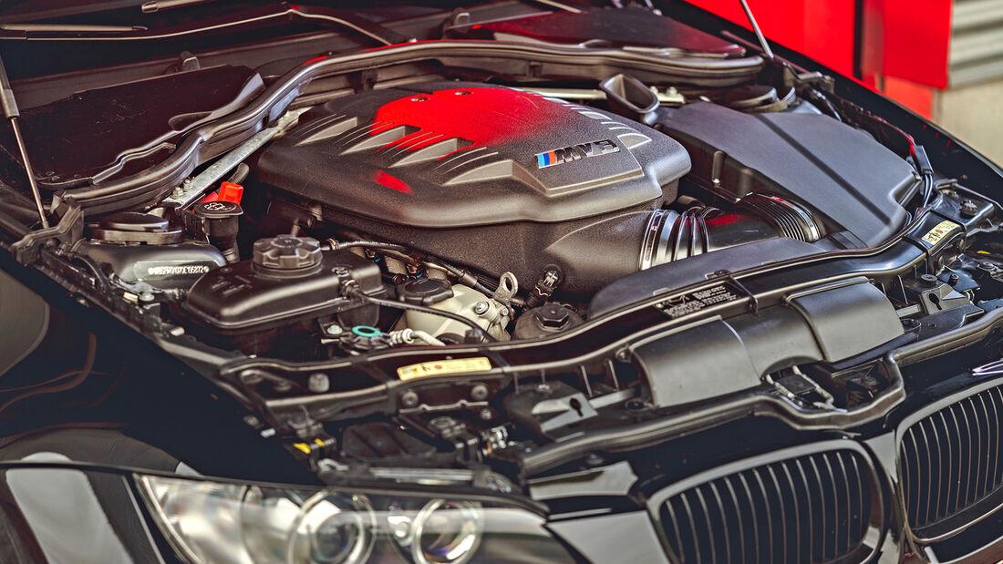 BMW M3 E90, Motor