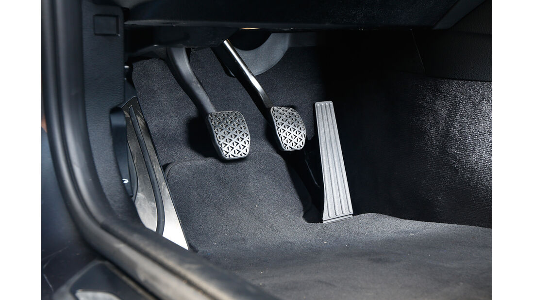 BMW M3 F80, Pedalerie