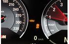 BMW M4, Anzeige