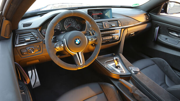 BMW M4 CS, Interieur